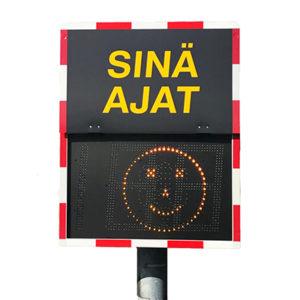 Liikennevalot ja nopeusnäytöt